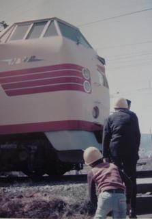 #16国鉄381系電車(振り子�@)-2.jpg